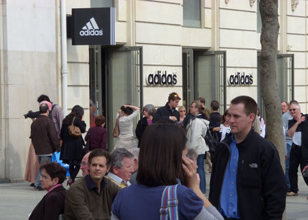 Adidas_Champselysees